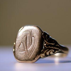 signet ring - gender neutral jewelry